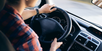 Fighting Driving Drowsiness: 3 Tips to Avoid Falling Asleep at the Wheel