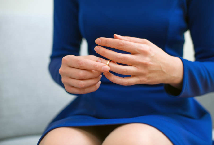 Is Divorce Worth It? 5 Eye-Opening Stories That Will Help You Decide