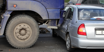 Car vs Truck Accident: Is There a Difference? What You Need to Know