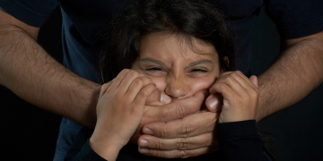 4 Warning Signs You Should Call a Sexual Abuse Attorney